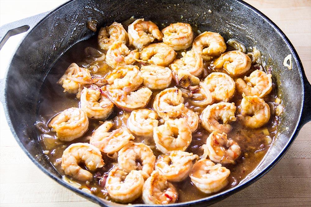 Sauteing Shrimp in Stir-Fry Sauce