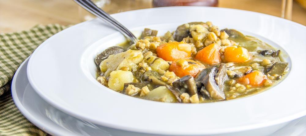 Rosemary & Potato Mushroom Soup by Cooktoria
