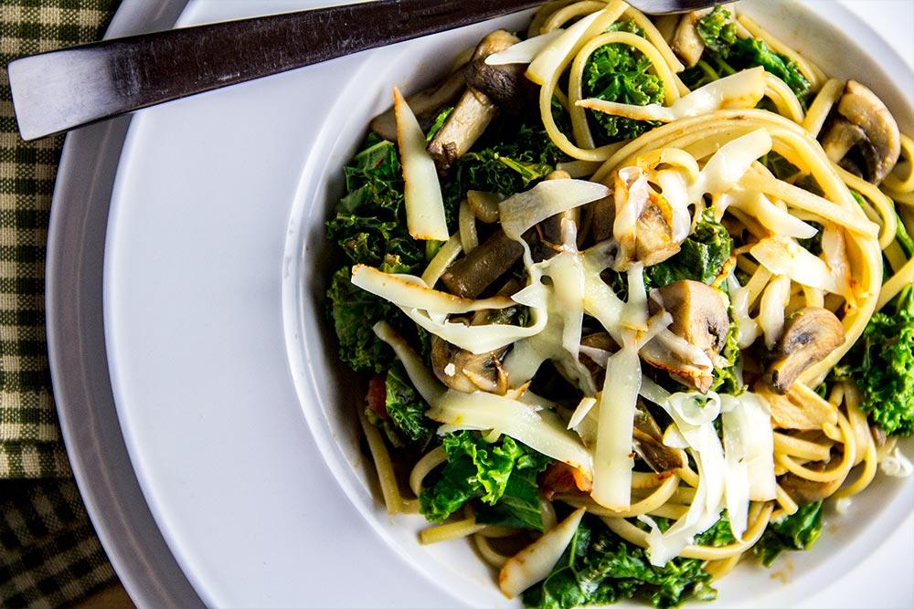 Linguine, Mushrooms & Kale