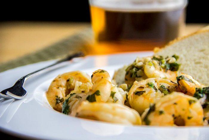 Spicy Garlic, Lemon & Beer Southern Shrimp Recipe
