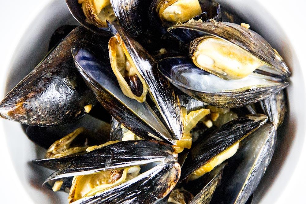 Steamed Drunken Mussels