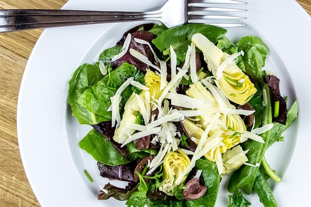 Baby Greens Salad with Artichoke and Kalamata Olives