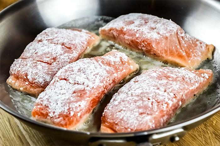 Flour Dredged Salmon