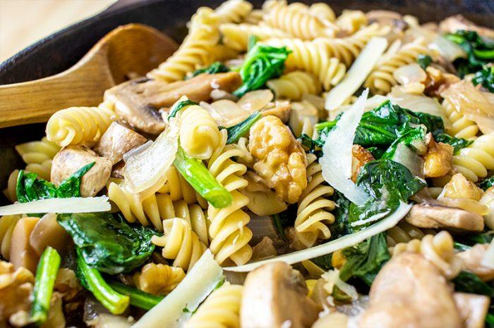 Walnuts, Garlic, Mushrooms & Pasta in Cast Iron Skillet Recipe