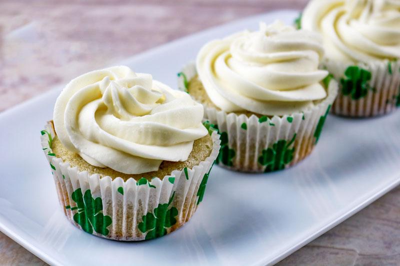 Three Cupcakes 4-16
